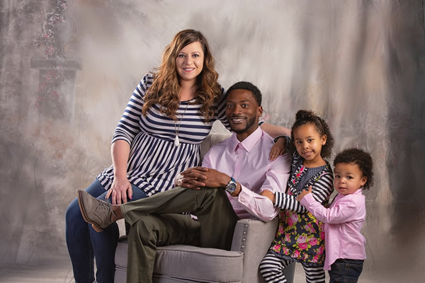 Leanna Harris and Family, Mortgage Loan Officer with PrimeWest